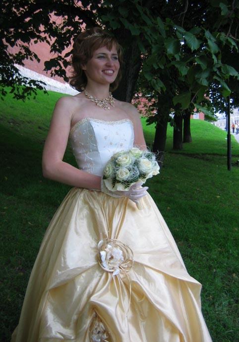 Свадебное платье с фото б у